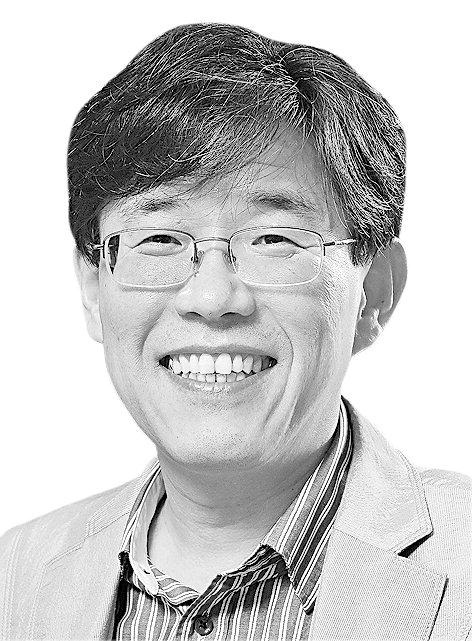 [토요단상] '전쟁과 평화', 그리고 역사