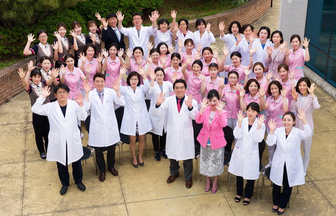 분홍빛으로병원, 20년간 등록환자 10만명…주사기로 유방에 1㎝ 이하 작은 혹  간단히 제거