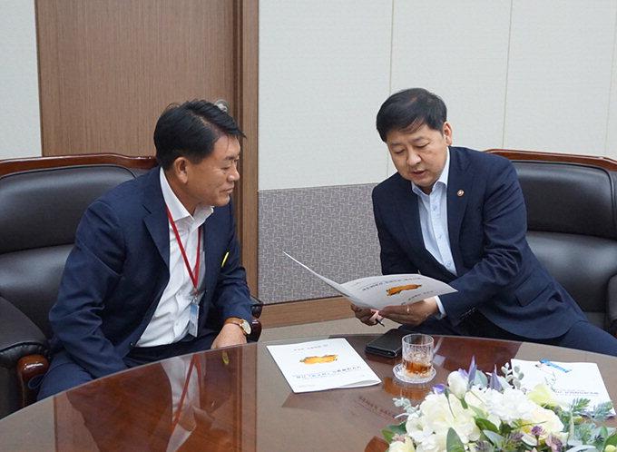 구교강 군의회의장, 기재부 철도계획에 성주역 반영 건의