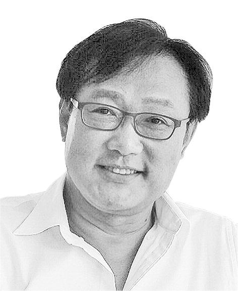 [월요칼럼] 개혁대상에서 기댈 언덕이 된 검찰
