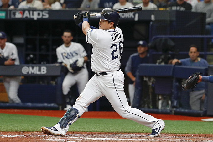 최지만 포스트시즌 첫 홈런…팀 '기사회생'