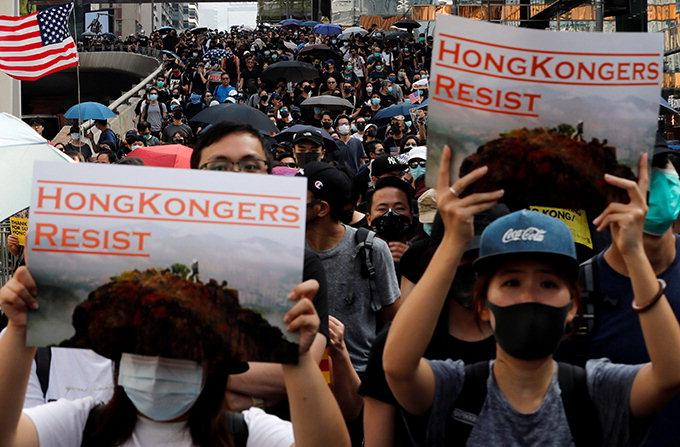홍콩시위 15세이하 청소년 100여명 체포