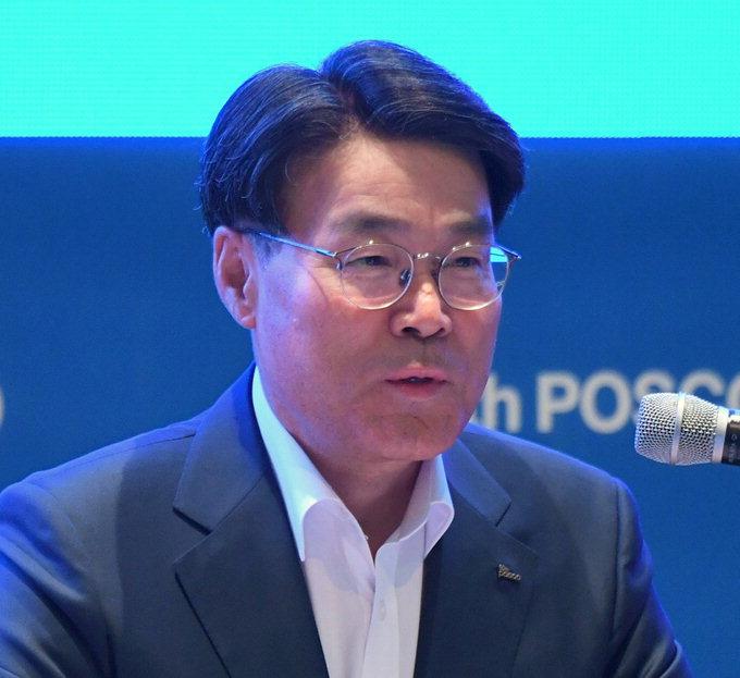 """최정우 포스코 회장 """"소재간 협업으로 사업 기회 확보해야"""""""