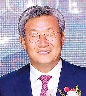 곽용환 고령군수 '기초단체장 대상'…석세스어워드 정치부문서 수상