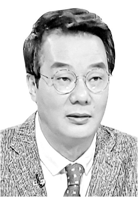 [송국건정치칼럼] '적폐청산 TF' 지시했던 백원우의 민낯