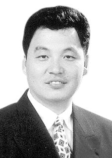 [수요칼럼] 제왕적 대통령제의 미래