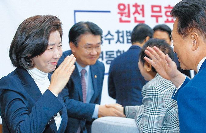 """친박-비박 후보 5명 혼전…""""黃心 품어야 웃는다"""" 표심향방 촉각"""