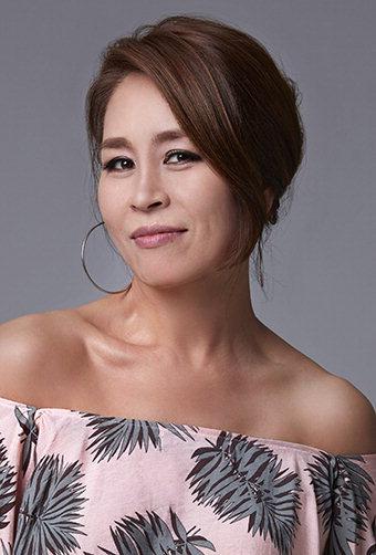 뮤지컬 배우 최정원, 맘마미아 도나역 1천회 출연