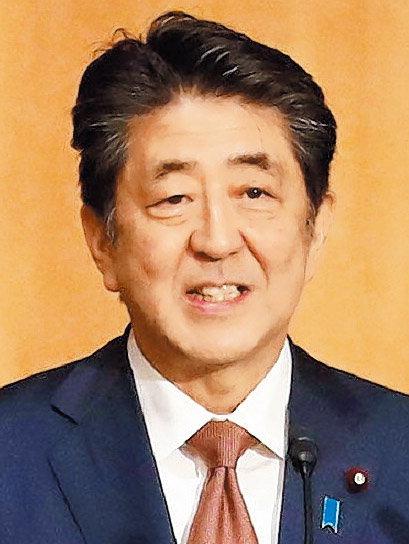 아베, 중의원 해산 시사…日 정치권 촉각