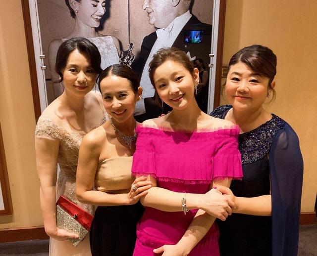 아름다운 자태 드러낸 `아카데미 시상식`여배우들, 박소담 핫핑크 드레스 `눈길`