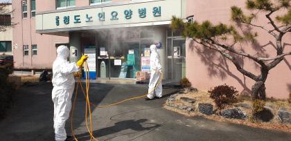 600여명 갇혀...병원내 감염 확산에 공포 휩싸인 청도대남병원