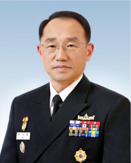 신임 해군총장에 부석종 중장…제주출신 첫 해군참모총장