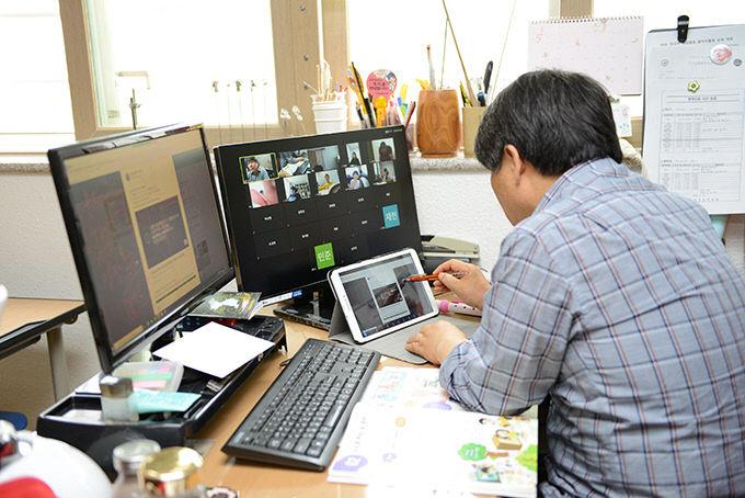 온라인 강의·원격진료·움직이는 편의점·무인 매장…기술융합 4차산업 가속화