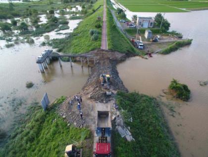폭우로 재소환된 4대강 사업 논란…문 대통령 `4대강 영향 조사하라`