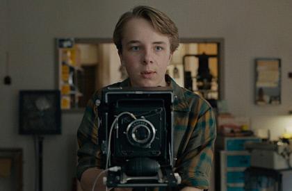 [김은경의 영화의 심장소리] '와일드라이프'  (폴 다노 감독·2019·미국)...소년은 그렇게 어른이 된다