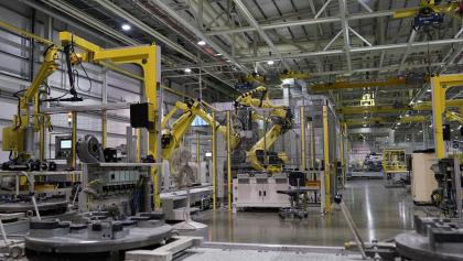반도체 품귀로 생산 차질…자동차 넘어  로봇으로 번진다