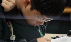 """고3 수험생 모의고사 활용법…""""3월 학력평가 성적 토대로 6월 모평 목표성적 세워라"""""""