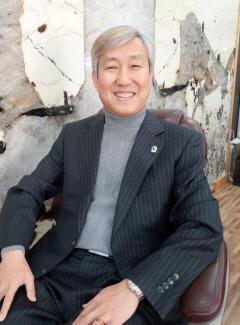 권혁대 영남일보합창단 단장