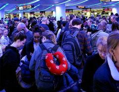 美공항, 유럽發 귀국 행렬에 대혼란…