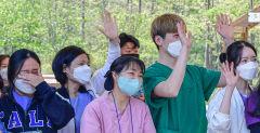 전국 최초 문 연 '대구 1생활치료센터' 문 닫던 날