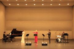아양아트센터 '해설이 있는 가정음악회-희망을 노래하다' 진행