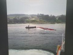 포항 앞바다서 어선 전복...선원 2명은 구조