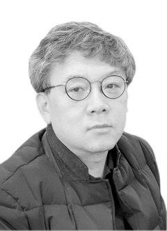 [영남타워] 통합신공항의 '정치적 자산'