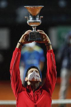 실격패 딛고 36번째 우승(마스터스 1000시리즈 대회) '새 역사'