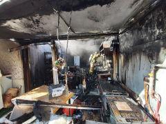 대구 평화시장 내 점포 1곳서 화재 전소...60대 남성 구조