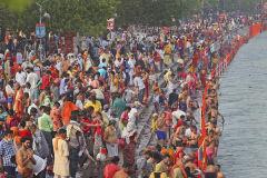 [포토뉴스] 인도 하루 17만명 확진에도…