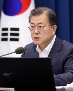 문 대통령, 전효관·김우남 의혹에