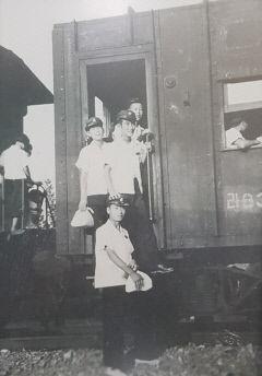 [동네뉴스] 김재도 경북 의성 금성 버스터미널 대표의 1950년대 기차 타고 학교 가던 길