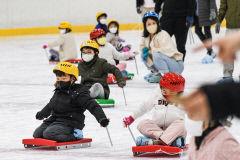 [포토뉴스] 어린이날 맞아 대구실내빙상장 찾은 어린이들