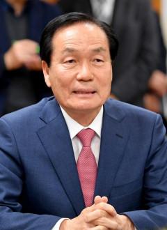 김주수 경북 의성군수 자택 등 압수수색...