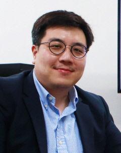 DGIST 로봇공학 김회준 교수팀, 친환경 '마찰전기 나노발전기' 개발