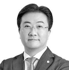 [단상지대] 정치인 윤석열과 정치인 조국