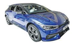 [기아 전기차 'EV6' 외형·스펙] 미래서 온 듯 매끈한 디자인…트렁크 공간활용 차박도 OK