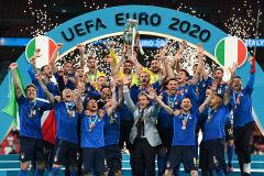 '34경기 무패' 이탈리아, 승부차기로 53년 만에 유럽축구 정상 우뚝
