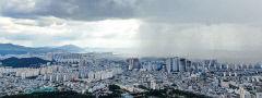 [포토뉴스] 국지성 호우 내리는 대구 하늘