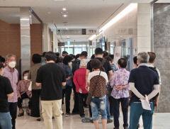 '감염병 전문병원' 선정된 대구 칠곡경북대병원서 '거리두기' 지켜지지 않아 논란