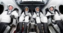 '급'이 다른 우주관광…민간인 4명 첫 지구일주