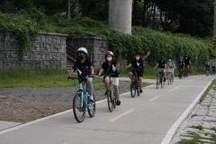 [동네뉴스] 버려진 것 모아 고치고 나눠주고...환경을 생각하는 '자전거 댓글 마트'