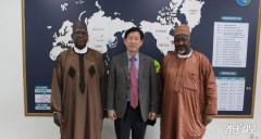 장동희 새마을세계화재단 대표이사, 나이지리아 아부바카르 지가와주 주지사와 협력 방안 논의