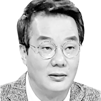 총선 이후 정국 구상하는 文정권