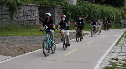 버려진 것 모아 고치고 나눠주고...환경을 생각하는 `자전거 댓글 마트`